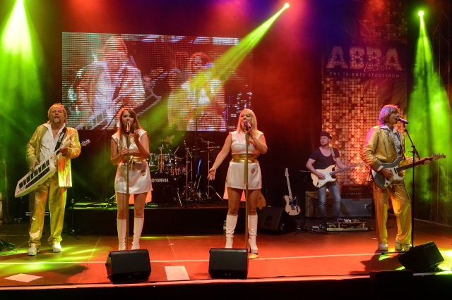 Die ABBA Tribute Stageshow von WORLD of DINNER